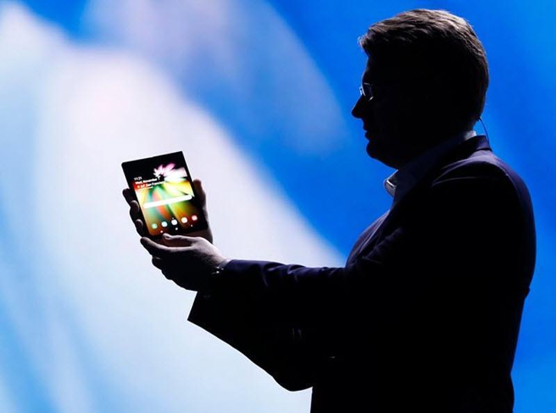 آمار جالب و قابل بحث: کمتر از 10 درصد آمریکایی ها گوشی های گران تر هزار دلاری می خرند؟ اما چرا؟ چند درصد ایرانی ها گوشی های پرچم دار هزار دلاری می خرند؟!