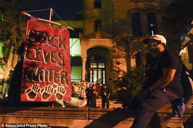 کنتاکی همچنان ملتهب از مرگ یک شهروند سیاه پوست